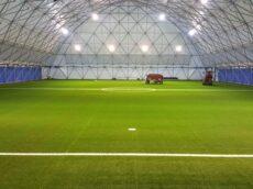 Amenajare teren de fotbal cu gazon sintetic