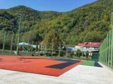 Amenajare teren multisport cu gazon artificial Slanic Moldova